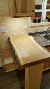 Custom-made bar top Tiny House 2016 Glenmark Construction Inc